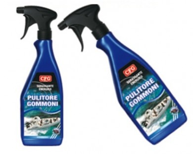Cleaner for inflatable boat